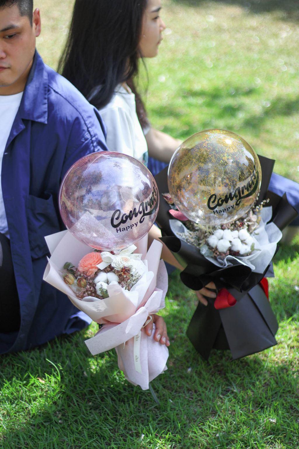 畢業花束 乾燥花波波球花束、畢業禮物、波波球花束、畢業季花禮、手作畢業禮物